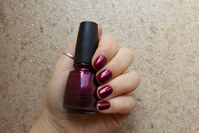 01 China Glaze Autumn Nights Red y & Willing