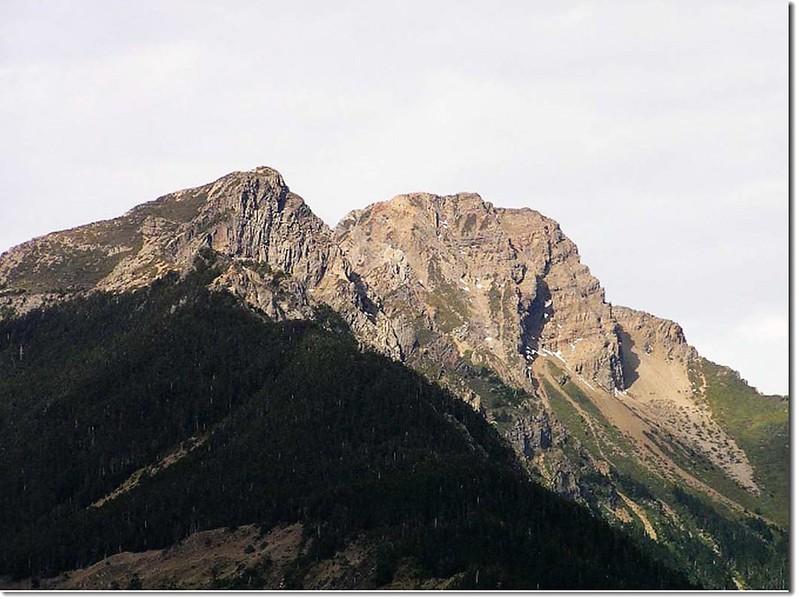 玉山主峰和東峰