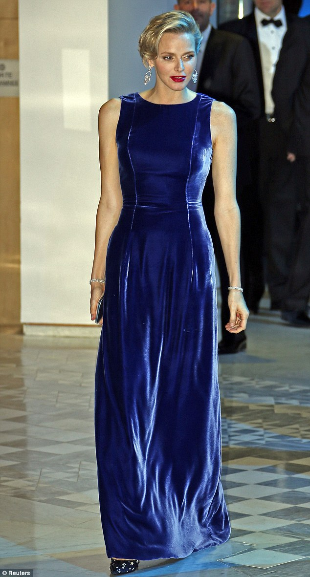 royal-blue-velvet-maxi-dress, velvet maxi dress, sapphire dress, maxi gown, velvet maxi gown