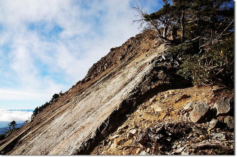 佳陽山崩壁 2