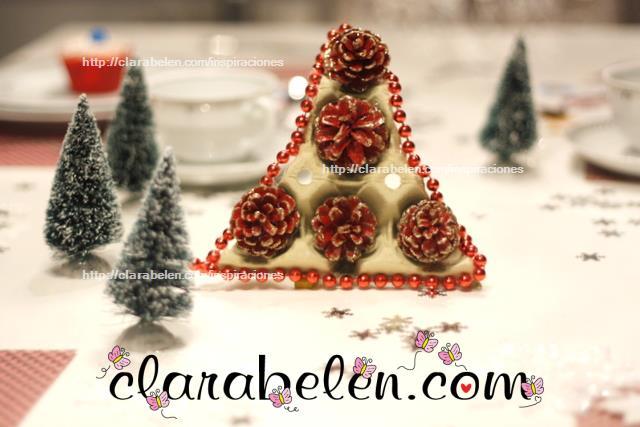 Árbol de Navidad con materiales reciclables