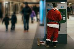 Santa takes LIRR
