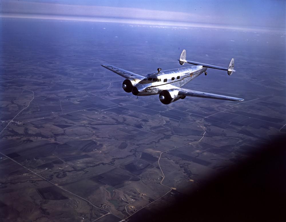[Lockheed 12A Electra Junior in Flight over Dallas]