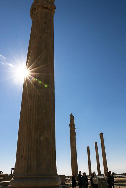 Ancient columns and blue sky, Persepolis, Iran ペルセポリス遺跡、円柱と青空