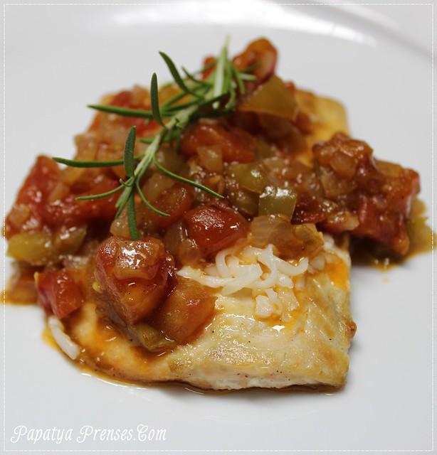 domates soslu balık (1)