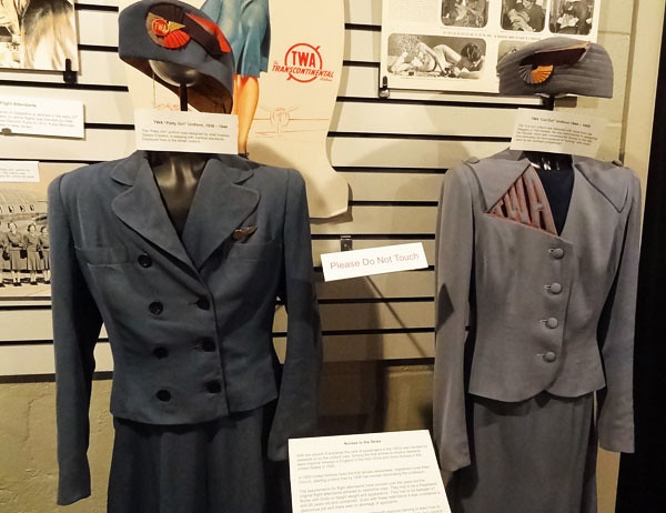 1940s-stewardess-clothes