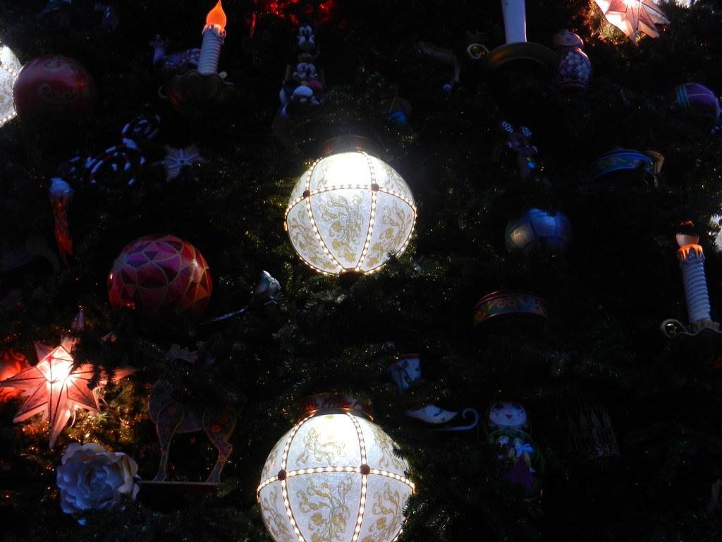 Un séjour pour la Noël à Disneyland et au Royaume d'Arendelle.... - Page 2 13643350595_819c9a02b0_b