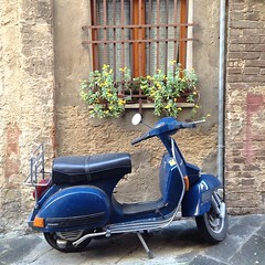 Typical Italian alley scene. #travelgram