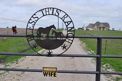 Ennis - Beware Of Wife