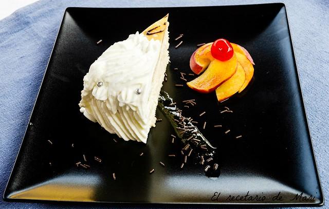 Tarta de crema de piña con bizcocho de frutos secos 2