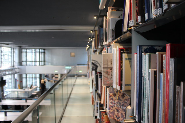 Bibliothèque de l'Institut du monde arabe