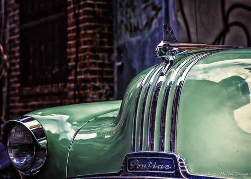 auto street city light shadow color reflection brick classic philadelphia car canon vintage 50mm cool alley shiny dof shine bokeh retro ornament chrome american hood pontiac philly