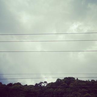 山のほうに黒い雲