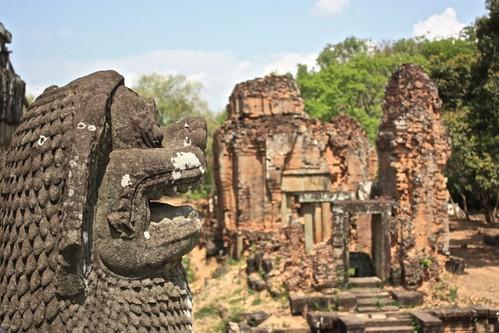 guardian of Phnom Bakheng