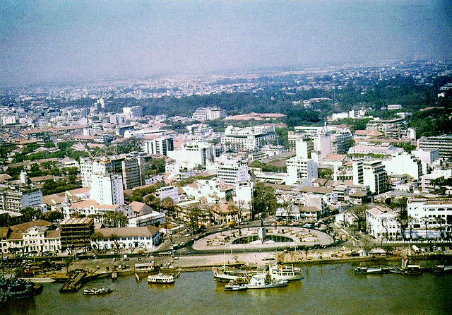Arial view of Saigon. Photo by flynariel - Công trường Mê Linh trước năm 1975