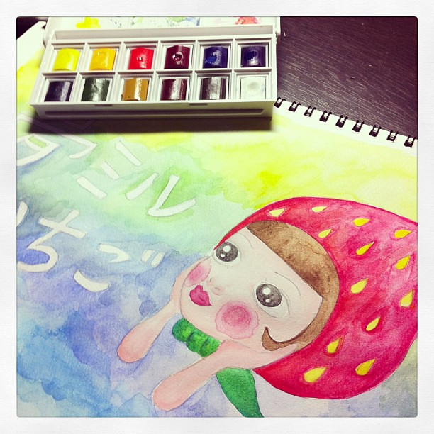 Playing with my new watercolor. I haven't played with watercolor since junior high.. It's difficult but fun:)