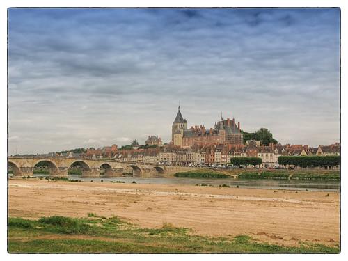 Gien (stadje aan de Loire) by hans van egdom