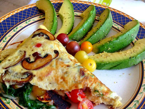 Omelet and avocado lunch