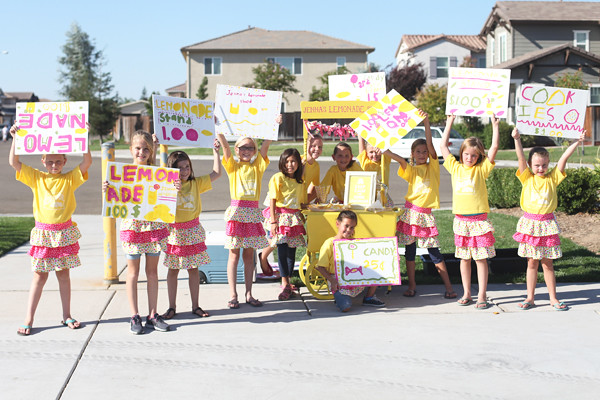 Lemonade stand party 3