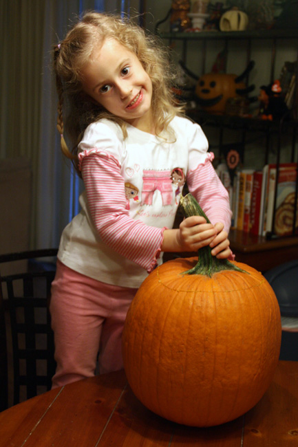 Autumn-and-her-pumpkin