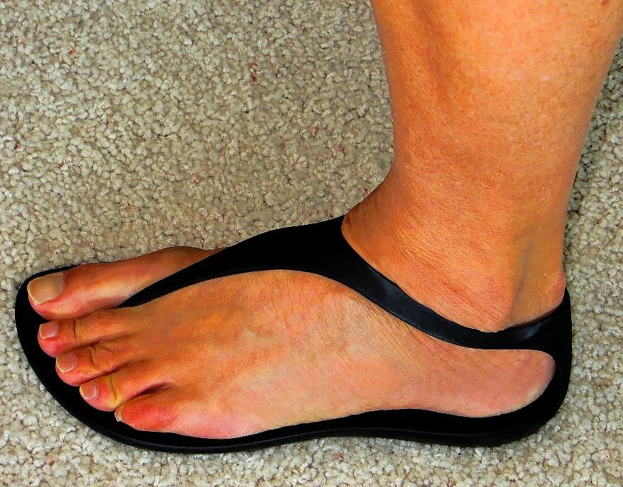 Crocs sexy flip sandal