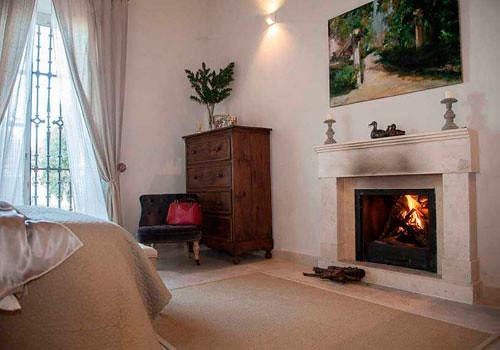 Cinco hoteles con encanto y con chimenea selectahotels for Hoteles con chimenea