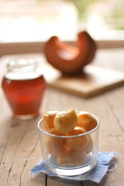 Tagliere di Zucca al forno alla Grappa, Scamorza Affumicata al Miele e Veg-Balls
