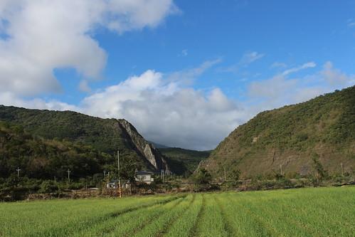 石門山隘口是牡丹社事件的古戰場,從農場可遠眺這個歷史現場。