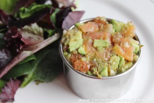 Tartar de salmon y aguacate www.cocinandoentreolivos (22)