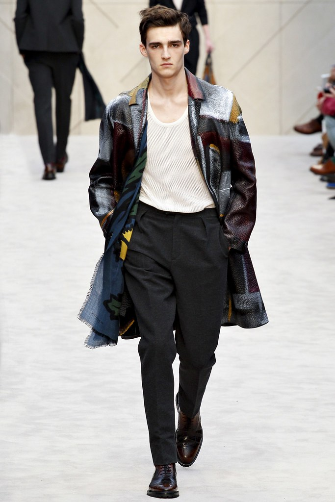 FW14 London Burberry Prorsum027_Elliott Vulliod(VOGUE)