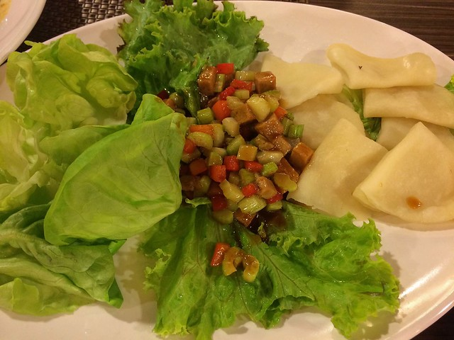 lotus_soya_meat_with_wraps_and_greens