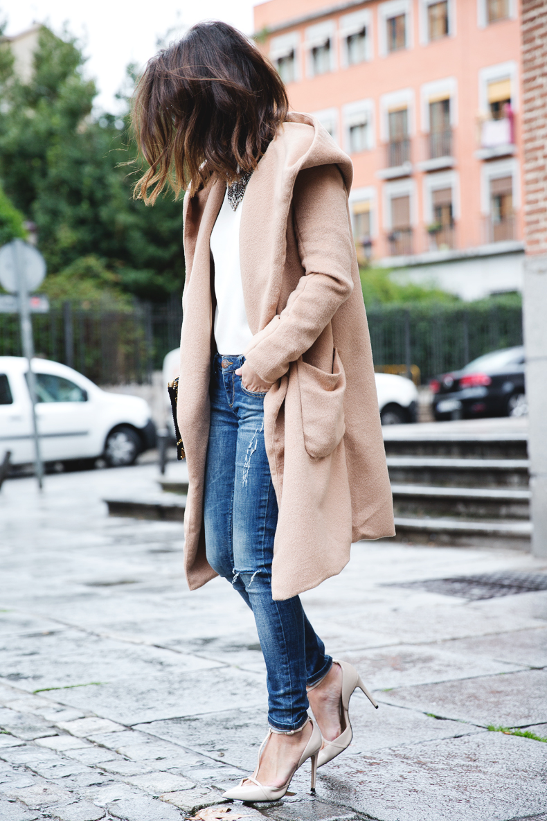 Nude_Coat-Ripped_Jeans-White-Street_Style-Outfit-Collage_Vintage-4