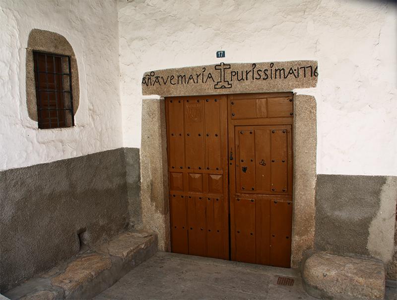 Puerta en Garganta la Olla