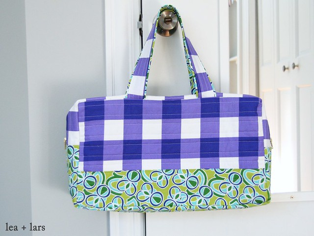 duffel bag using Noodlehead free pattern