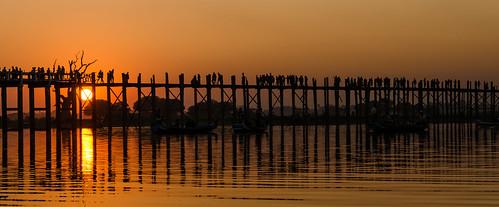 bridge sunset sun lake reflection see twilight asia asien sonnenuntergang burma myanmar dämmerung brücke sonne birma spiegelung amarapura ubeinbridge reflektionen ubeinbrücke nikond7000