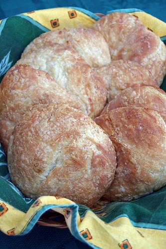 13822175813 7ee2f6e27d Rowies (croissants ronds écossais)