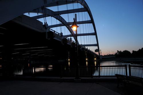 bridge usa newyork silhouette sunrise dawn spring centercity rochester monroecounty freddysuebridge genseeriver