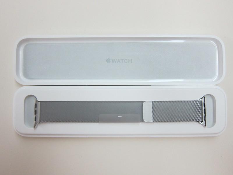 Apple Watch 42mm Milanese Loop - Strap Box Open