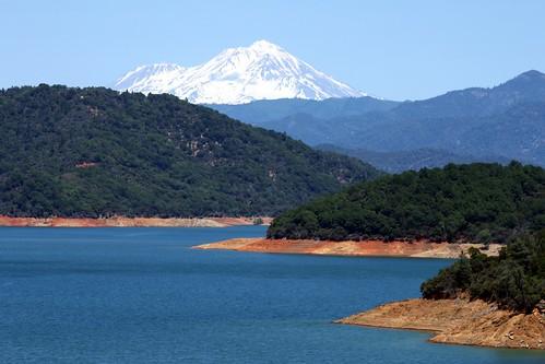california ca mountain lake snow water beautiful landscape mt view line mount cap mtn shasta snowcap konomark