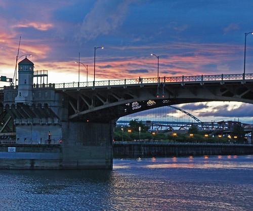 bridge sunset oregon river portland ngc photographers willamette burnside vigilant vigilantphotographersunite unite…