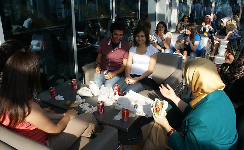Üsküdar Üniversitesi'nde yılsonu kutlaması 4