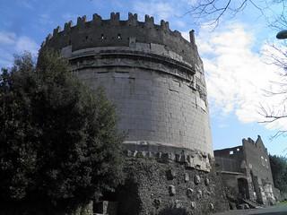 Mausoleum of Caecilia Metella の画像. pleiades:depicts=423064