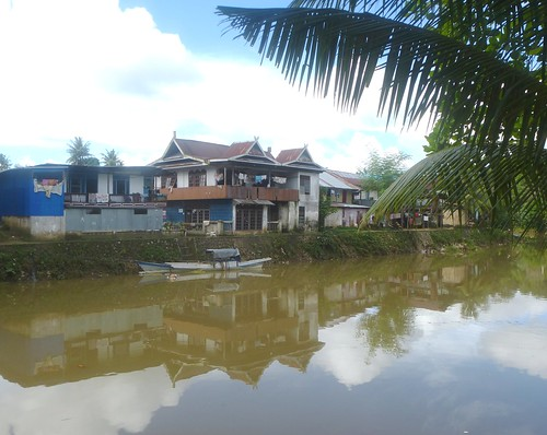 Papua13-Sorong-Quartier-Riviere (9)