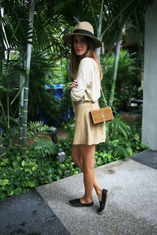 Look of the Day.280: Beige Saint Laurent