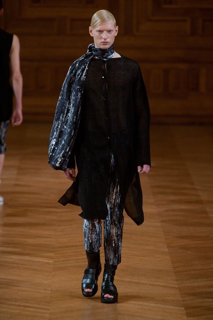 Diederik Van Der Lee3181_SS14 Paris Songzio(fashionising.com)