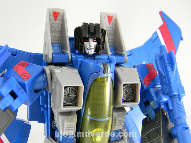 Transformers Thundercracker Masterpiece - modo alterno