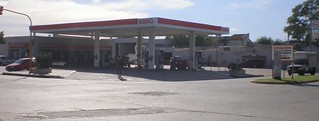 Imagine de San Pedro. argentina buenosaires gasstation esso sanpedro exxon petrolstation gasolinera fillingstation exxonmobil estacióndeservicio