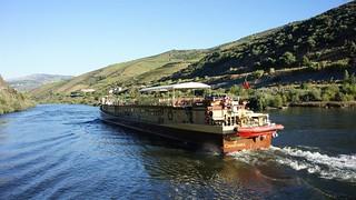 Barco de cruzeiro no Douro