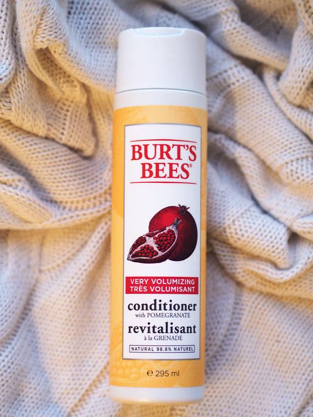 BURT'S BEES granaattiomenahoitoaine
