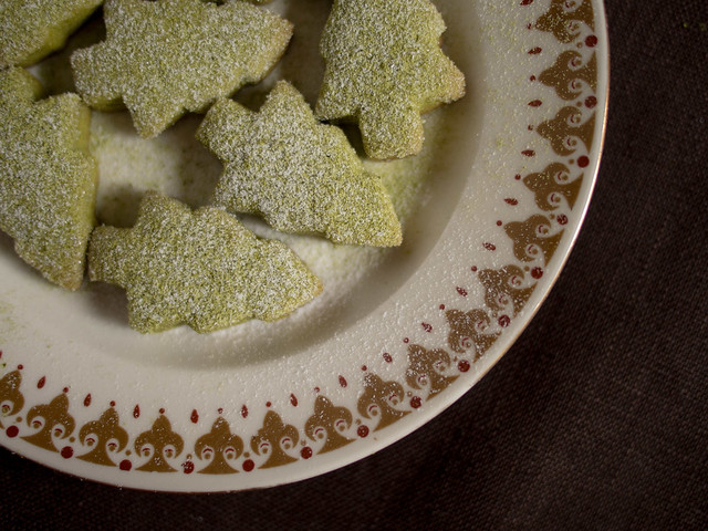 Green tea shortbread, sprinkled with icing sugar